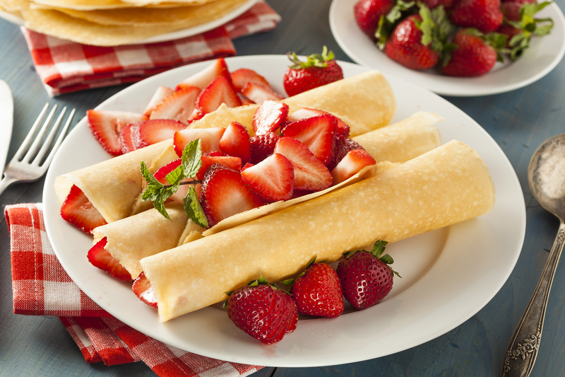 Light Strawberry Crepes