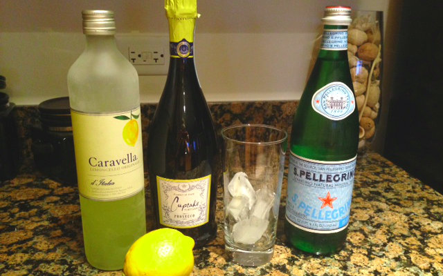 Refreshing Limoncello Spritzer