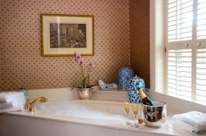 Do It Yourself: Transform Your Bathroom Into a Spa!