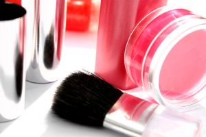 6 Ways to Shed Years with Makeup